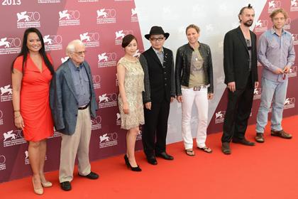 ベネチア映画祭『地獄でなぜ悪い』1