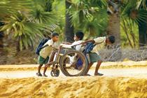 世界の果ての通学路(インド)