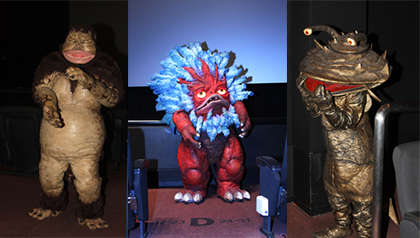 其々お客さんにサービスする3怪獣
