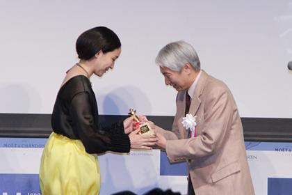 麻生久美子受賞