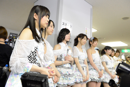 DOCUMENTARY-of-AKB48-The-time-has-come1