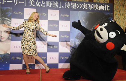 『美女と野獣』レア・セドゥと監督 くまモンも登場記者会見