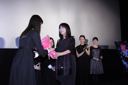 『劇場版-零~ゼロ~』舞台挨拶_花束b