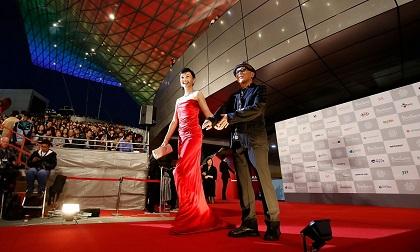 釜山国際映画祭レッドカーペット南果歩&廣木監督