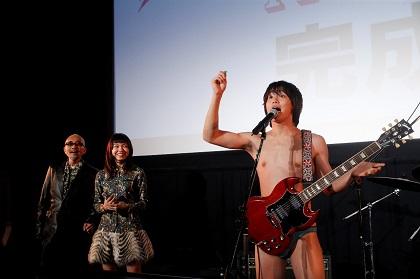日々ロック完成披露舞台挨拶RRB熱唱!!