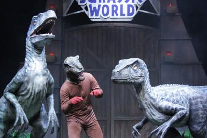 脱走した恐竜3匹