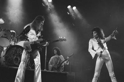 Queen_1_Hammersmith_Odeon_(c)Douglas_Puddifoot