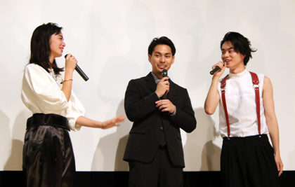 『ディストラクション・ベイビーズ』初日舞台挨拶_小松奈菜VS菅田将暉