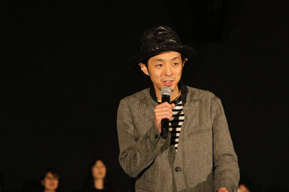 TOO-YOUNG-TO-DIE-初日舞台宮藤監督