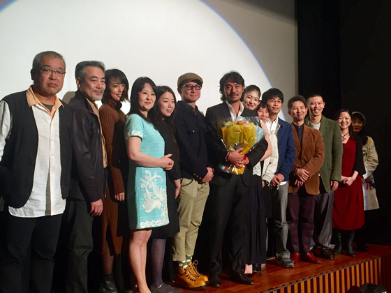 満員御礼『貌斬り KAOKIRI』舞台挨拶に草野康太、山田キヌヲ、木下ほうから14名登壇