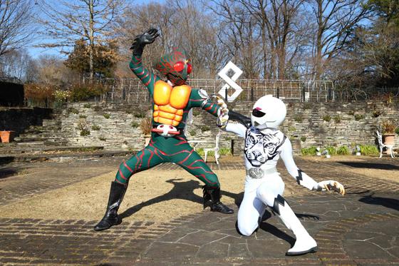 仮面ライダーアマゾン軍団、登場!仮面ライダーエグゼイド・宝生永夢も「もうムチャクチャだ!」