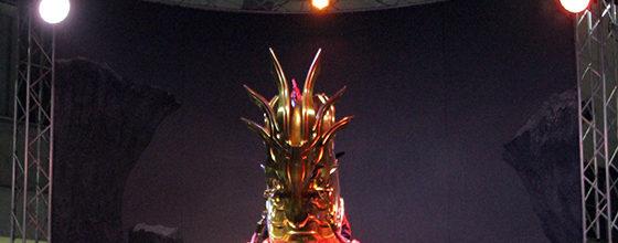 大迫力!!アニメジャパン!黄金騎士ガロ魔導馬「轟天」が実寸大像
