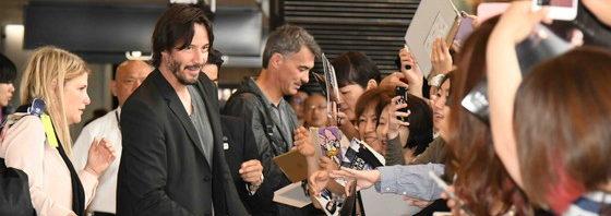 キアヌとチャド監督 成田に到着!全力ファンサービス『ジョン・ウィック:チャプター2』