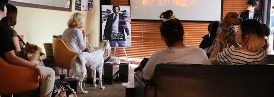 『ジョン・ウィック:チャプター2』愛犬プレミア試写 シューマッハの芸に犬達は?