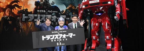 トランスフォームBMWレトロンスとダチョウ倶楽部が対決!