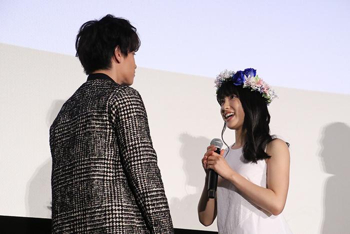 佐藤健・土屋太鳳『8年越しの花嫁 奇跡の実話』完成披露