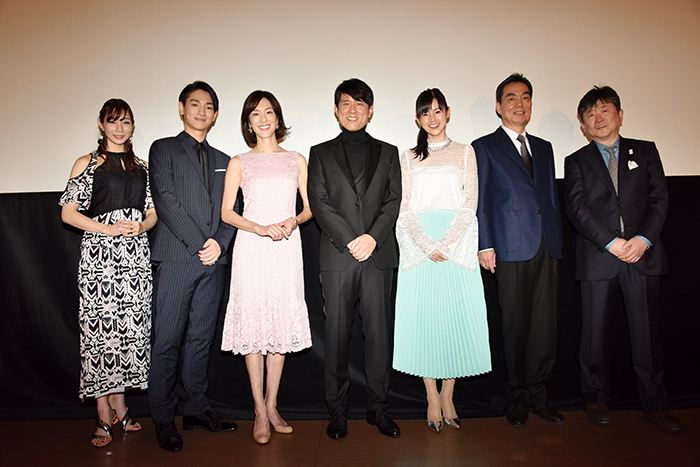 モテ男・原田泰造、元妻&年下恋人に挟まれ「汗が出ています!」『ミッドナイト・バス』初日舞台挨拶