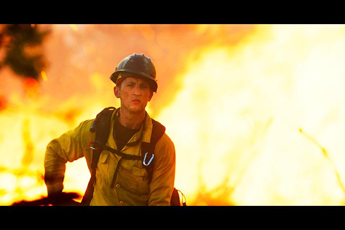 森林消防隊の感動の実話『オンリー・ザ・ブレイブ』ショート予告とポスタービジュアル解禁