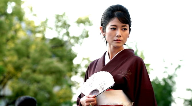真木よう子演じる「クラブ梨子」のママ・高木里佳子の新場面写真解禁『孤狼の血』