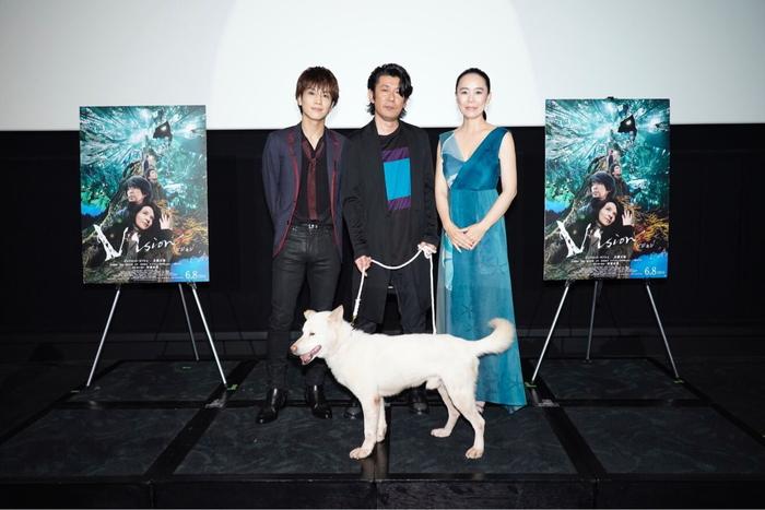 永瀬正敏、岩田剛典SPゲストに笑顔!映画『Vision』大阪舞台挨拶!