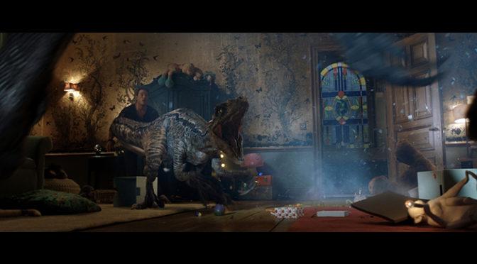 ハイブリット恐竜が遂にお目見え!『ジュラシック・ワールド/炎の王国』特別映像が到着!