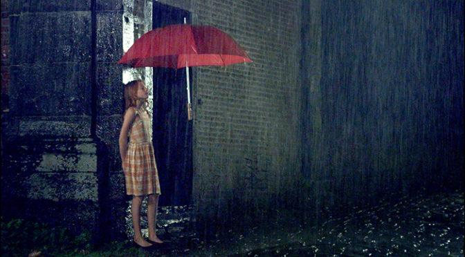 透明人間と盲目少女の恋の行へは・・・『エンジェル、見えない恋人』公開決定!