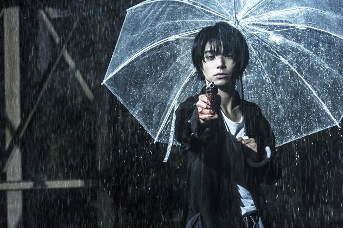 村上虹郎 主演:美しくも危ういモノクロームの映像美!『銃』禁断の特報解禁!