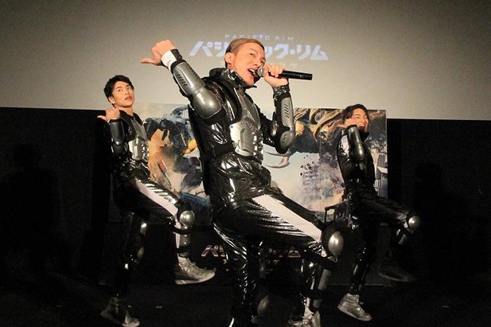 DA PUMP、会場の 300人と「C'mon, baby パシリム!」『パシフィック・リム:アップライジング』BD&DVDリリース記念 上映会