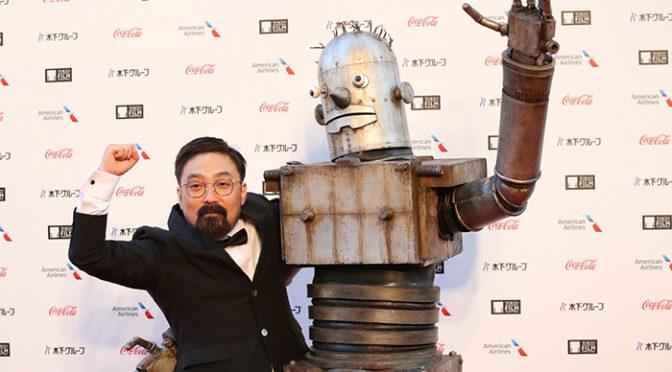 『ハード・コア』山下敦弘監督、ロボオがレッドカーペット!第31回東京国際映画祭