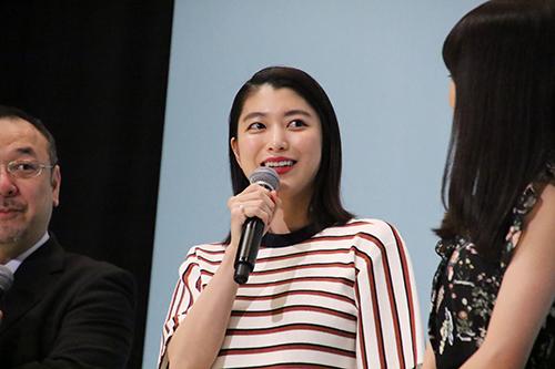 成海璃子『愛唄 ー約束のナクヒトー』完成披露舞台挨拶