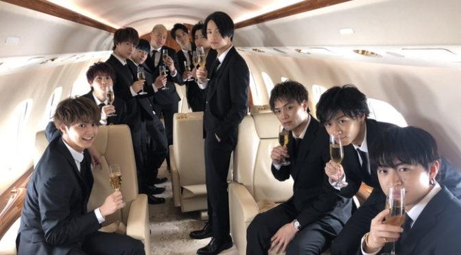 片寄涼太ら「PRINCE OF LEGEND」王子がプライベートジェットで大阪入り&舞台挨拶