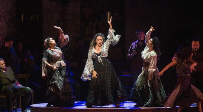 「クイーン」のフレディ・マーキュリーが愛したオペラの世界《カルメン》  MET ライブビューイング