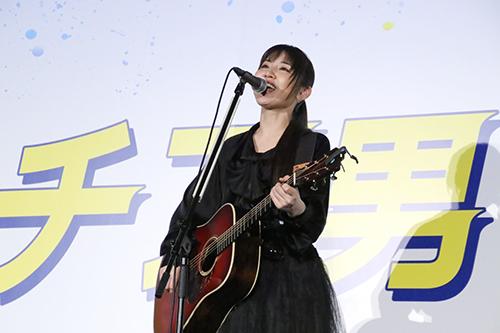 映画『チア男子!!』阿部真央 生歌を披露