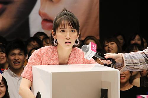 『パラレルワールド・ラブストーリー』対決_吉岡里帆