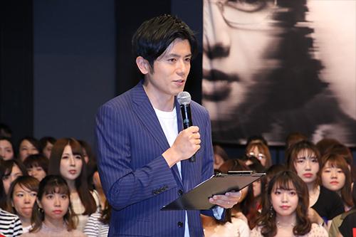 映画『パラレルワールド・ラブストーリー』対決_青木アナ