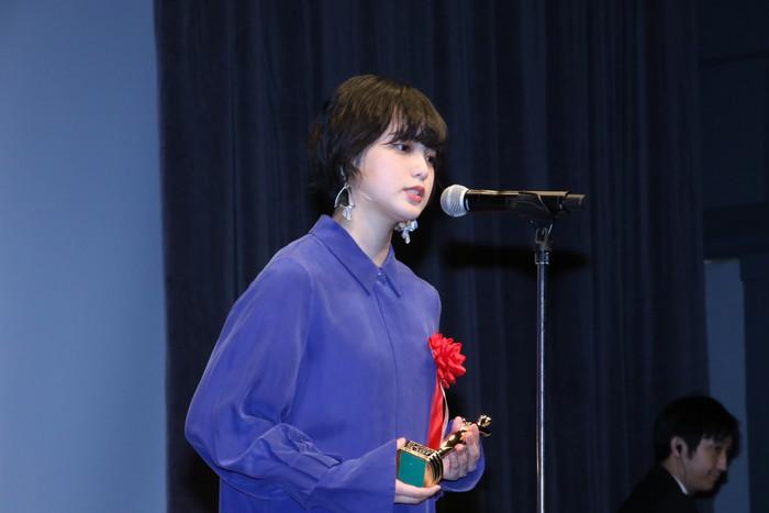 新人女優賞 平手友梨奈クールに登壇!第28回日本映画批評家大賞授賞式