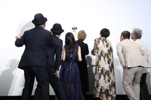 香取慎吾、恒松祐里、西田尚美、吉澤健、音尾琢真、リリー・フランキー、白石和彌監督『凪待ち』初日舞台挨拶