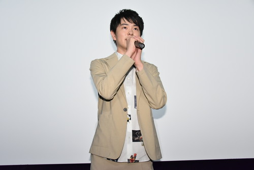 望月歩『五億円のじんせい』初日舞台挨拶