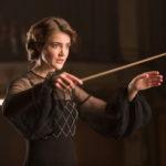 女性指揮者のパイオニア、アントニア・ブリコの半生を描いた『レディ・マエストロ』予告編解禁