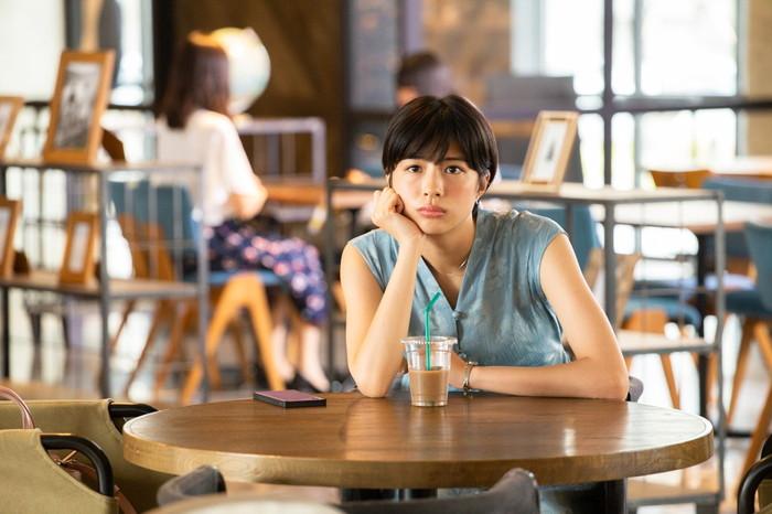"Kitriが書き下ろし「さよなら、涙目」が主題歌に決定!佐久間由衣主演『""隠れビッチ""やってました。』"