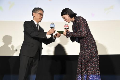 「ダンスウィズミー」初日舞台挨拶】 三吉彩花・矢口史靖監督