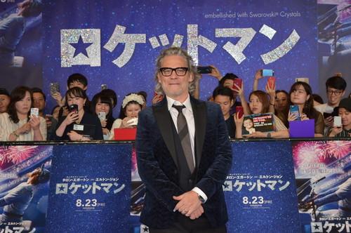 映画『ロケットマン』ブルーカーペット‗デクスター・フレッチャー監督