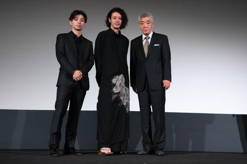 オダギリジョー監督、柄本明、村上虹郎『ある船頭の話』ヴェネチア国際映画祭