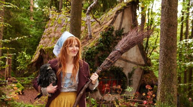初の実写化!映画『小さい魔女とワルプルギスの夜』 魔女にとっての<良い魔女>とは?