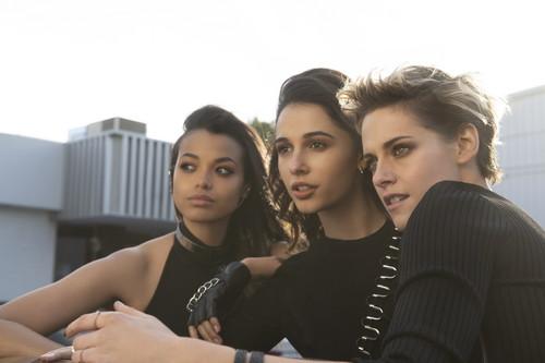 チャーリーズ・エンジェルElla Balinska, Kristen Stewart and Naomi Scott