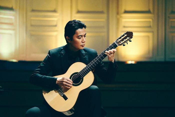 福山雅治 初クラシックギター
