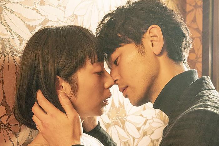 夏帆と妻夫木聡『Red』