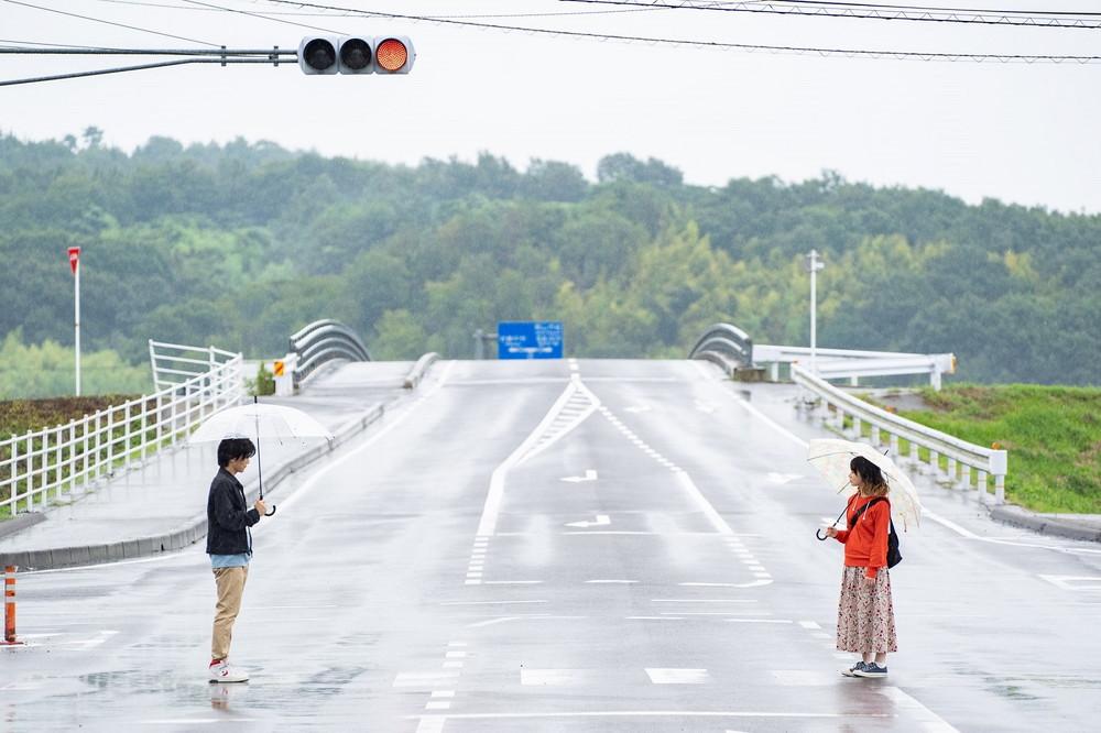山田杏奈・岩田剛典『名も無き世界のエンドロール』