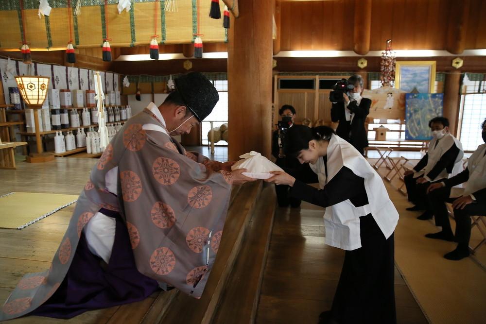 『神在月のこども』蒔田彩珠、出雲大社参拝