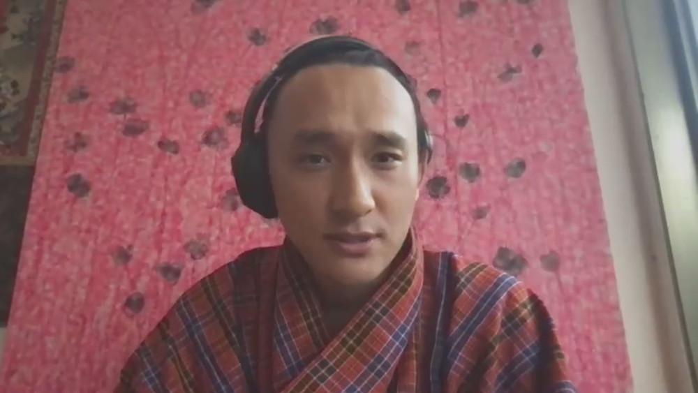 ブータン 山の教室_オンライン参加中の監督キャプチャー